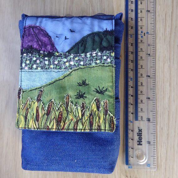 mini messenger landscape reeds